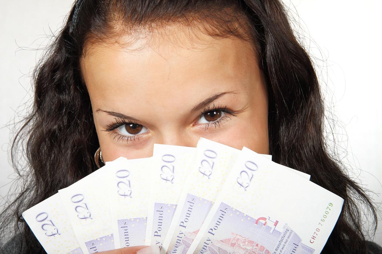 5-errores-que-las-mujeres-cometen-con-el-dinero-y-como-evitarlos.jpg