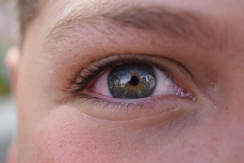como-prevenir-la-irritacion-en-los-ojos-por-el-uso-de-la-computadora.jpg