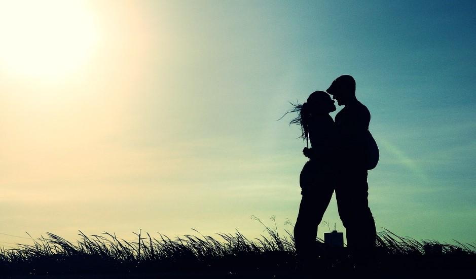 esto-es-lo-que-significa-estar-enamorado-|-no-todo-es-sexo-y-besos.jpg