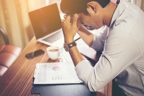 hombre-ocupado-estresado