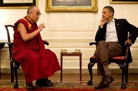 Barack obama en una discutiendo un tema